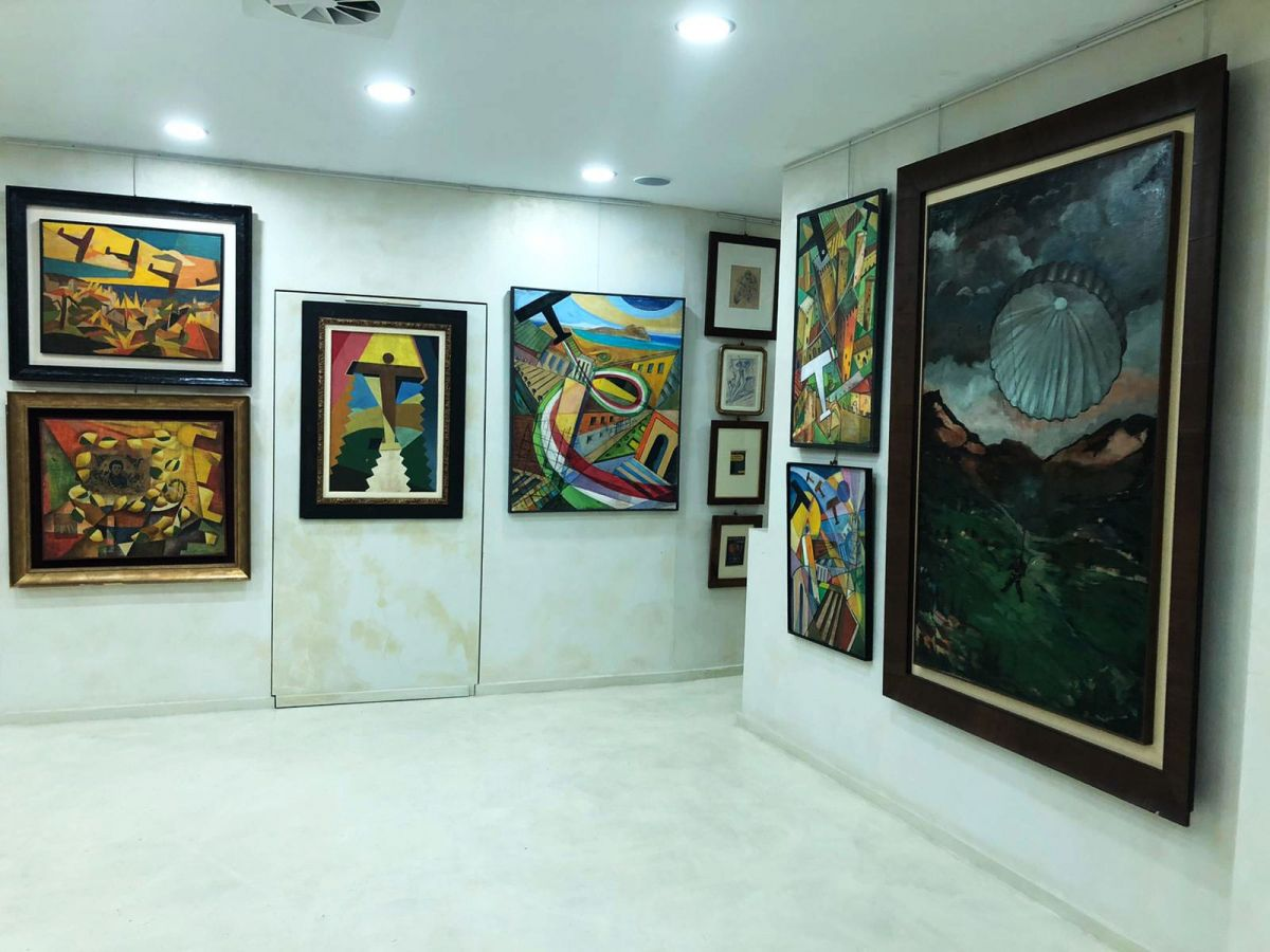 LATTUADA GALLERY :TRIPLE VIEW OF ART IN A SINGLE LOOK